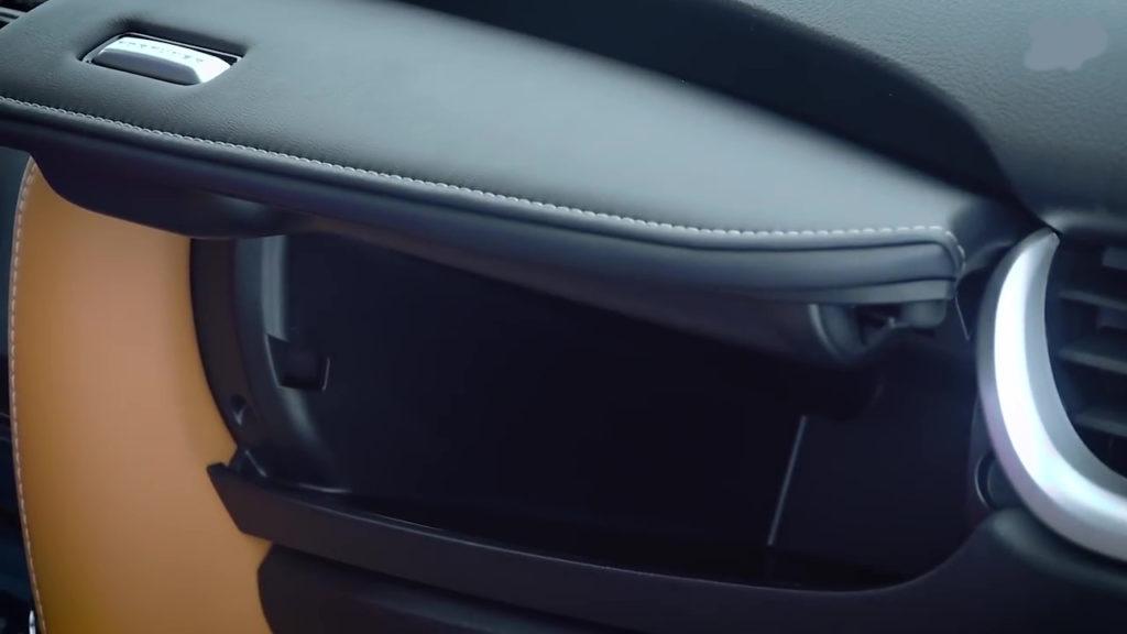 верхний бардачок Toyota Fortuner