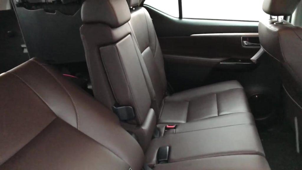 Кожаные сидения Toyota Fortuner