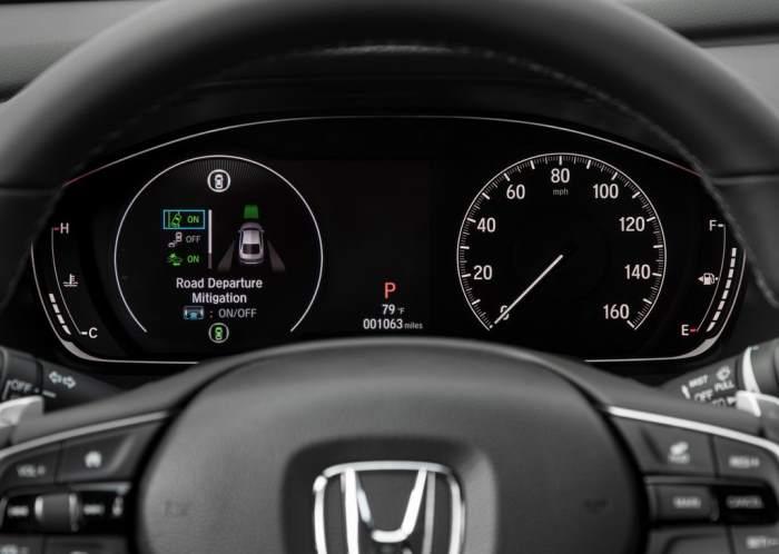 Приборная панель Honda Accord 2018