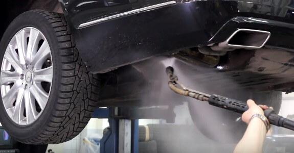 Как помыть днище автомобиля?  Надежные методы