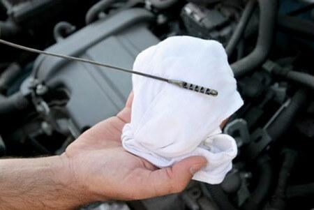 Почему двигатель жрёт масло? Основные причины