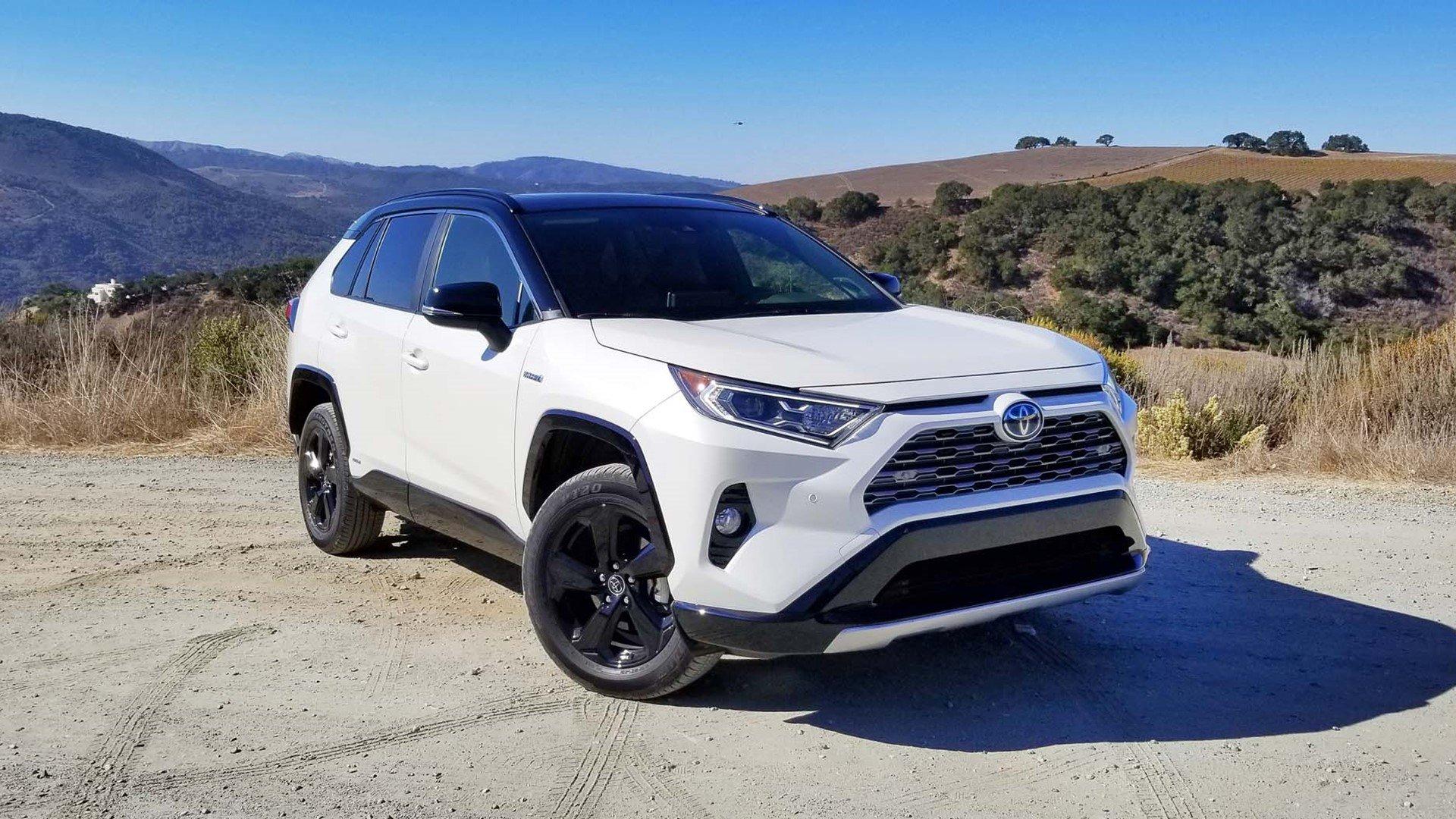Обзор Toyota RAV-4 2019. Новый салон. Технические характеристики